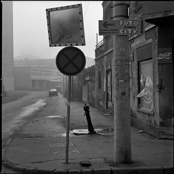 http://pogledaj.to/wp-content/uploads/2010/05/BORIS-CVJETANOVIC-foto-studio-city-4.jpg