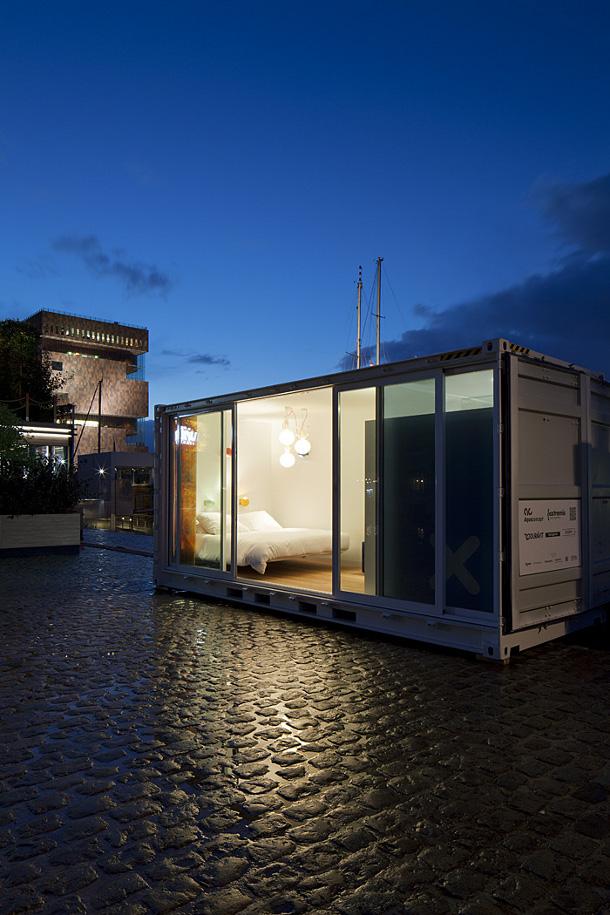 05-containerhotel