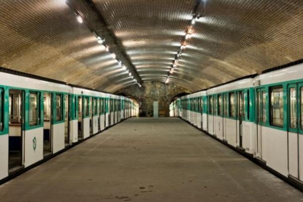 porte-molitor-paris-metro-ghost-station