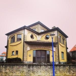 This house scares itself.