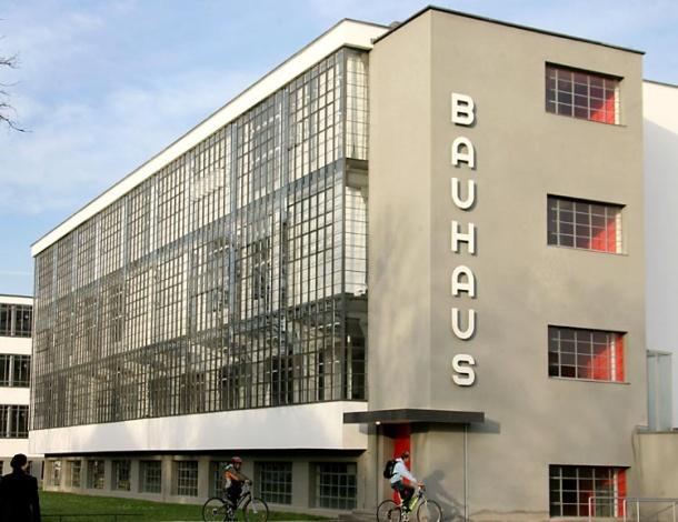 Hotel Bauhaus Pogledaj To