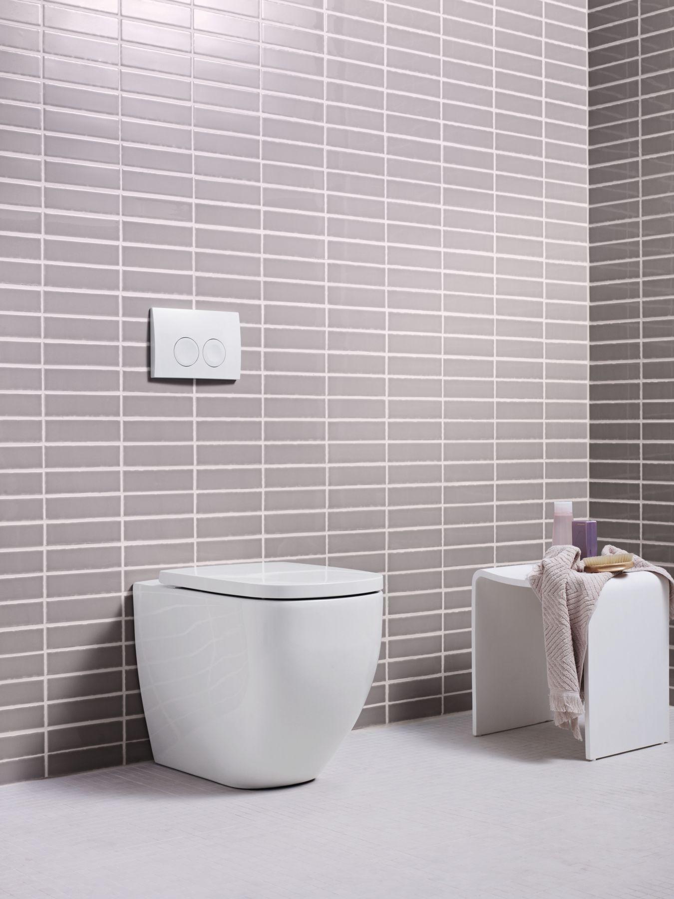 2012_bathroom08_33b_Alpha10_floostanding.tif_bigview
