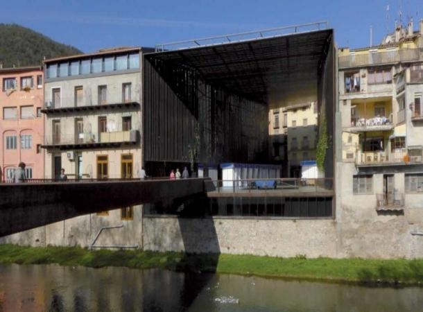 La Lira theatre_Ripoll