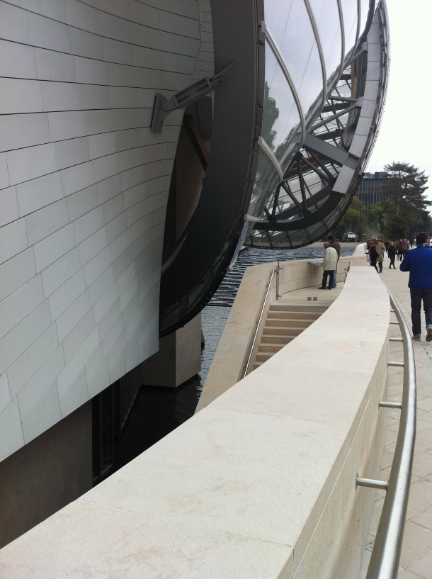 Gehry_Prolaz