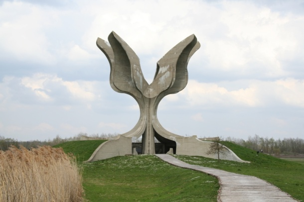 12IzvedbaSpomenikaJasenovac1964-66