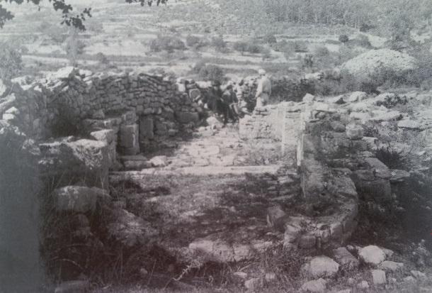 Istraživanja na lokaliteteu Crkvine 1929_E_Dyggve s Ljubom Karamanom i don Lovrom Katićem