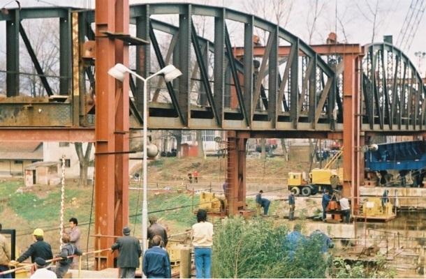 Izgradnja željezničkog mosta na Kupi u Karlovcu