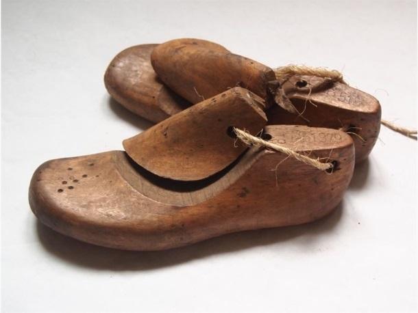 Par postolarskih kalupa za cipele_Pugar