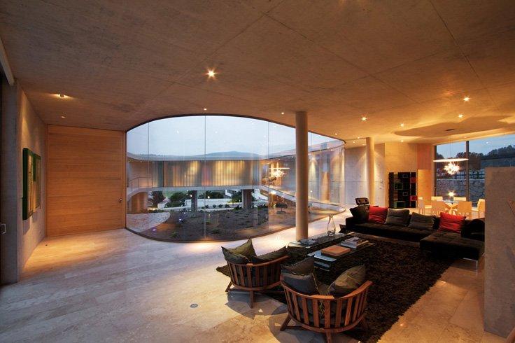 Najpoznatije svetske arhitekte White_o_toyo_ito_08